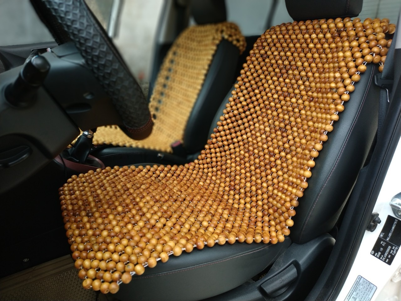 lót ghế Pơ mu hạt gỗ